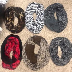 Guess Infiniti scarves